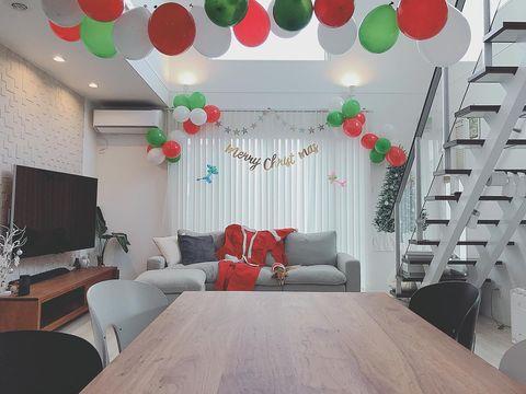 クリスマスパーティーの飾り付け13