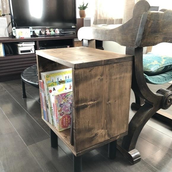 リビング向けおしゃれな収納付きサイドテーブル