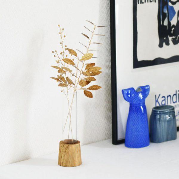 ブリキスティックとガラスの花瓶11