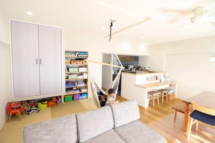 広がりを感じる、オープンな間取りと回遊動線。戸建てからマンションへの住み替えリノベーション2