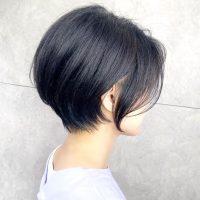 40代の大人女性に似合う黒髪の髪型14選。レングス別におすすめのヘアカタログ