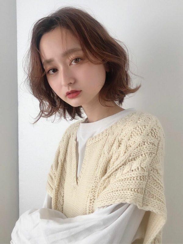 色っぽさのある話題の韓国風ショートボブ