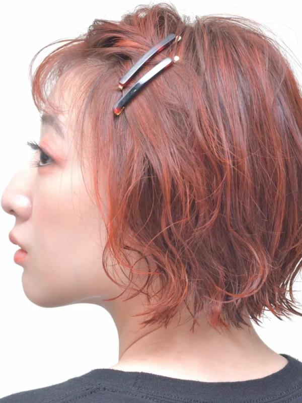 ヘアピンで簡単!ショートボブのヘアアレンジ