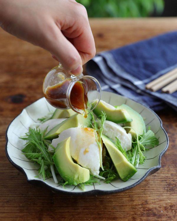 人気わさびドレッシングのアボカド豆腐サラダ