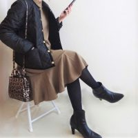 大人の女性×黒ストッキングコーデ15選。美スタイルを叶える女度高めな着こなし術