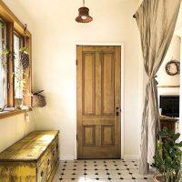 憧れの《おしゃれな広い玄関》実例集。広い空間を格上げするインテリアもご紹介