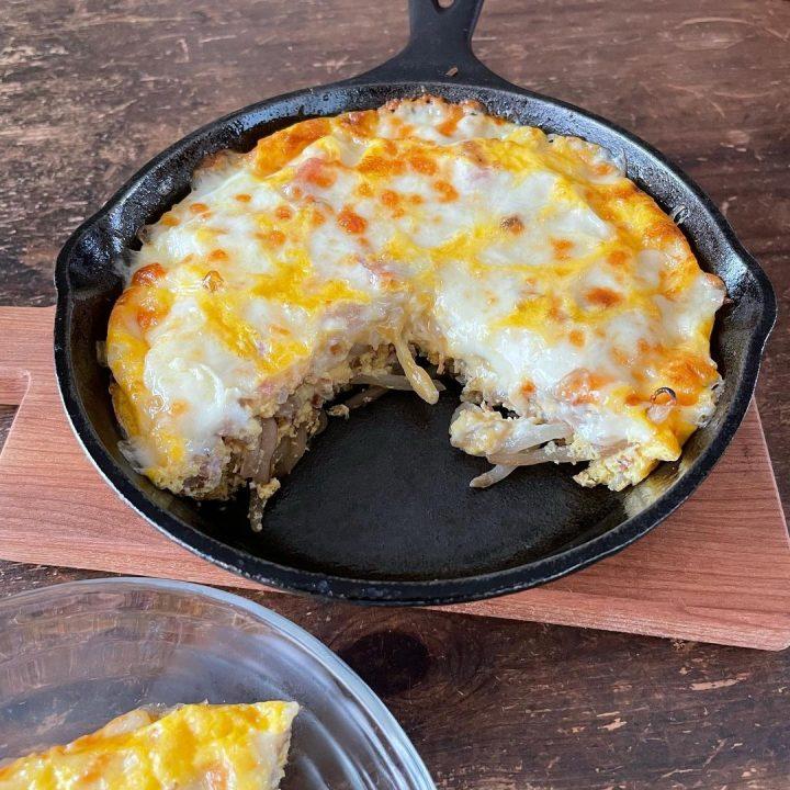 人気のメニューの簡単もやしのチーズ卵焼き