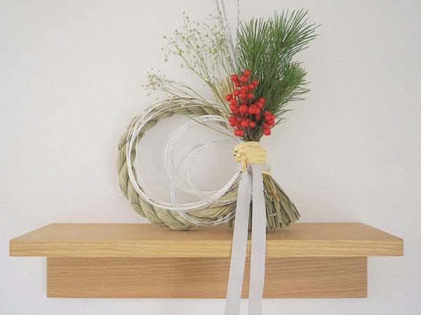 生花を使ったおしゃれな手作りしめ縄リース