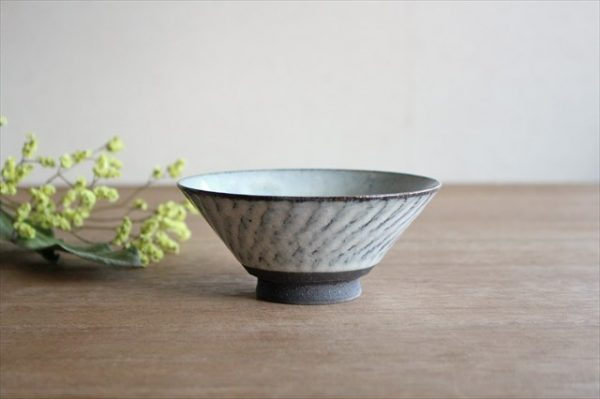 美濃焼 スパイラル平茶碗 ホワイト 陶器