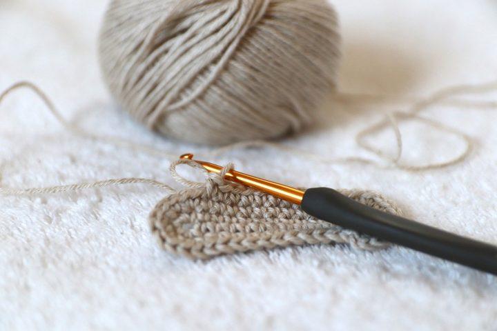 趣味で始めるのにおすすめの手芸《編み物》