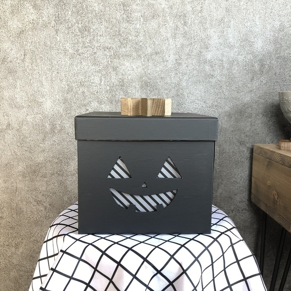 紙箱をリメイクして作るハロウィンボックス